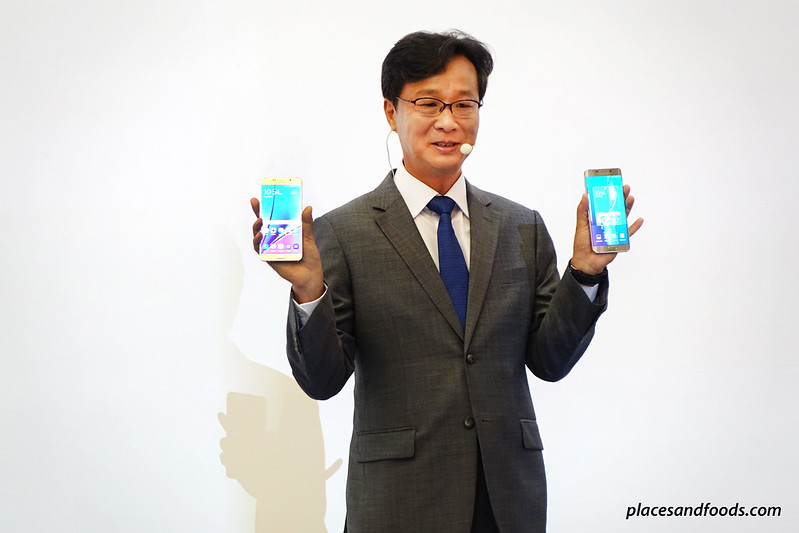samsung boss holding note5 and s6 edge plus