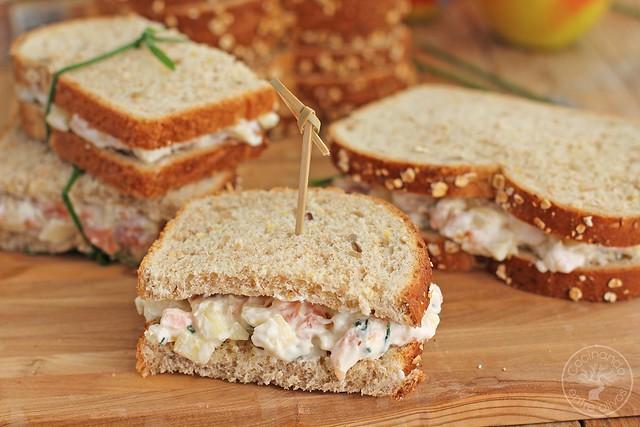 Sandwich de salmon ahumado y manzana www.cocinandoentreolivos.com (3)