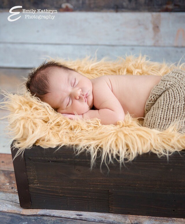 Newborn-baby-photo-shoot