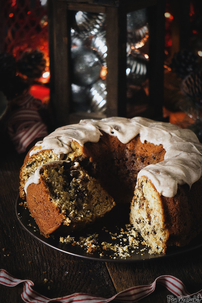 Perfect for the holidays! Browned Butter Coffee Cake with Spiced Maple Cream Cheese Frosting