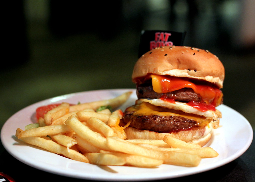 Ultimate Upper Thomson Food Guide: fatboys fat basterd burger