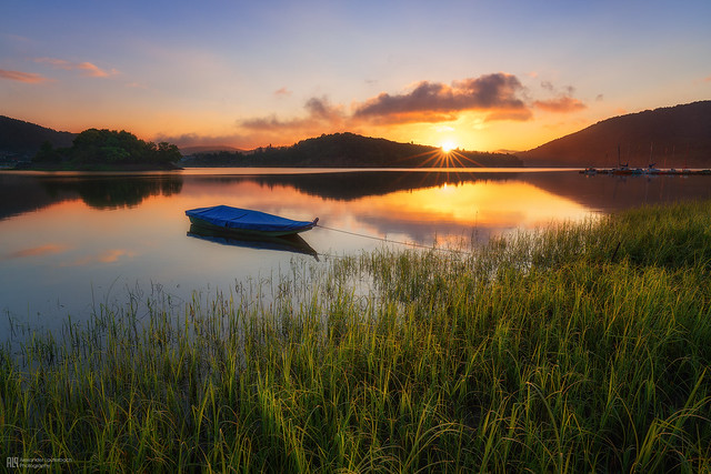 morning at the lake