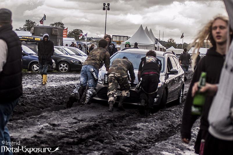 Dans la boue... 20973931515_ac65cce59b_b