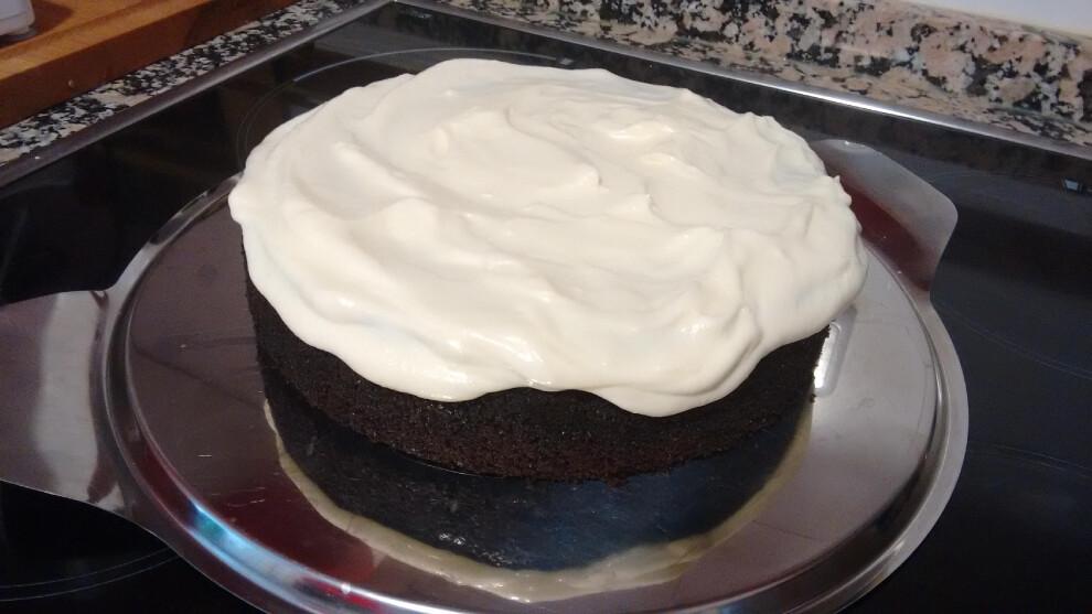 Tarta de chocolate y Guinness® con cobertura de crema de queso