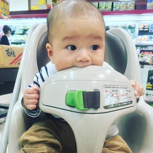 息子と一緒なら買い物も楽しい。 #pics