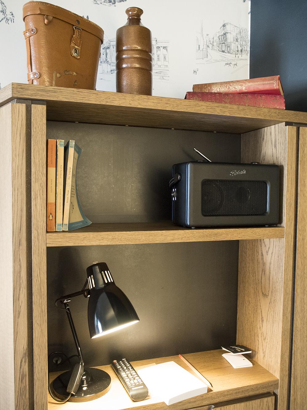 book-shelf-hoxton-hotel-room
