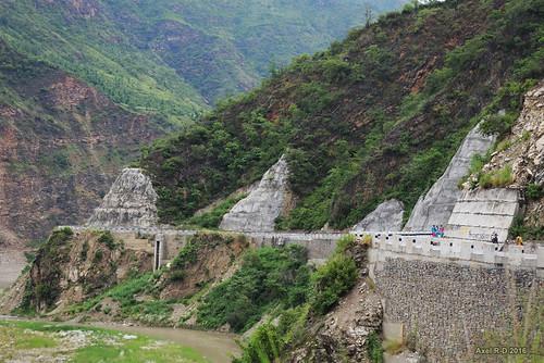 montagnes nepal préci route