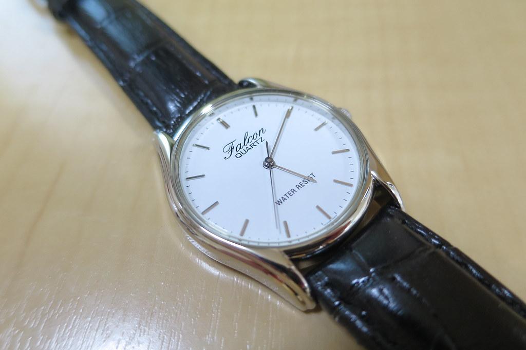 自分の腕時計のベルト、金属製から革 ...