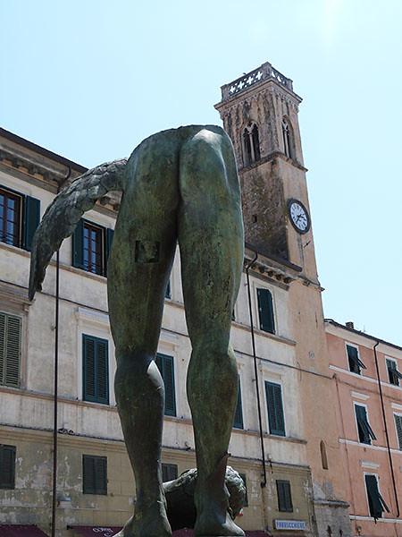 tour et sculpture