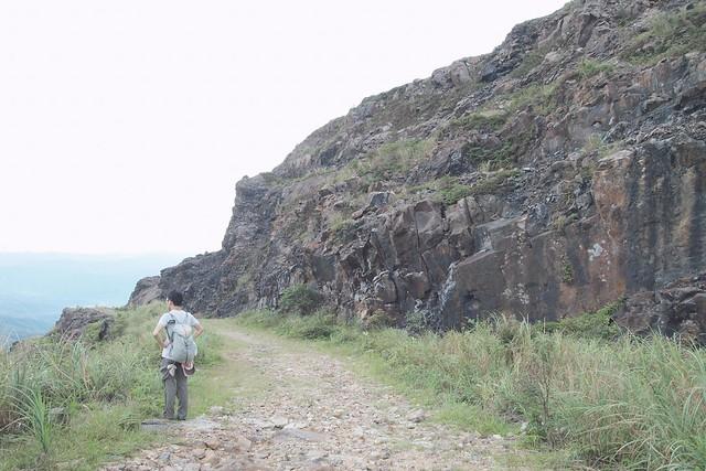 本山地質公園採礦場的裸露黑岩