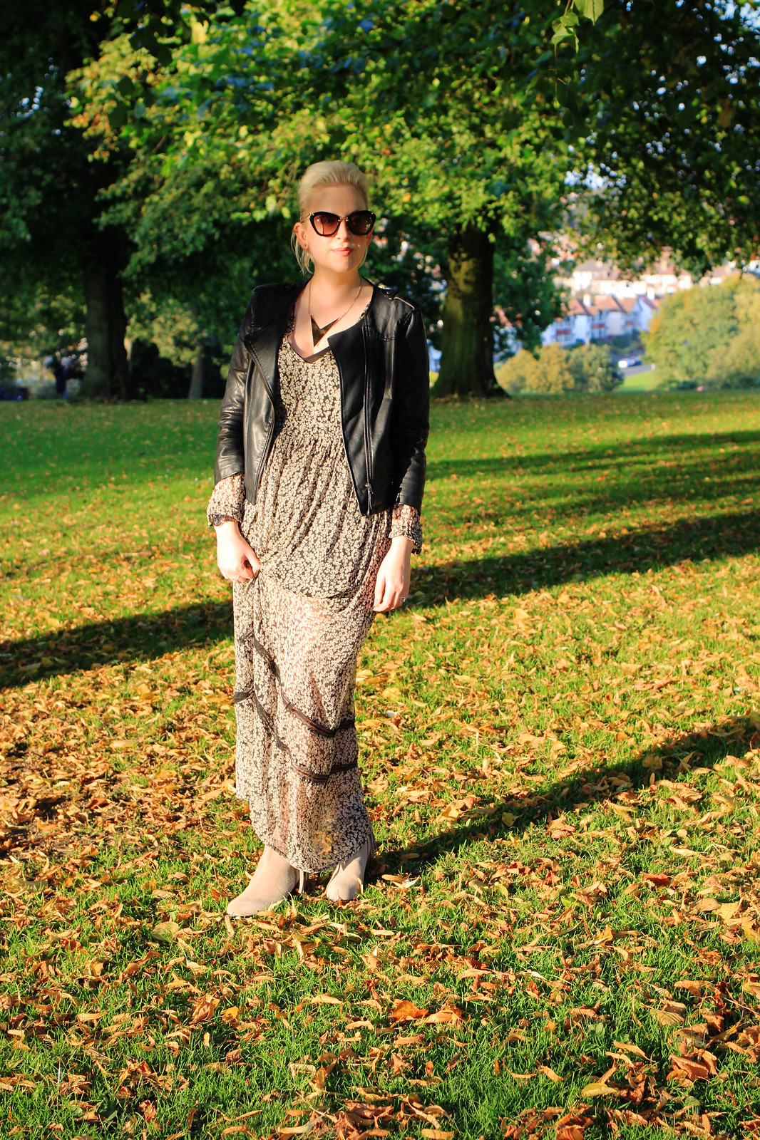 how to wear maxi dress autumn