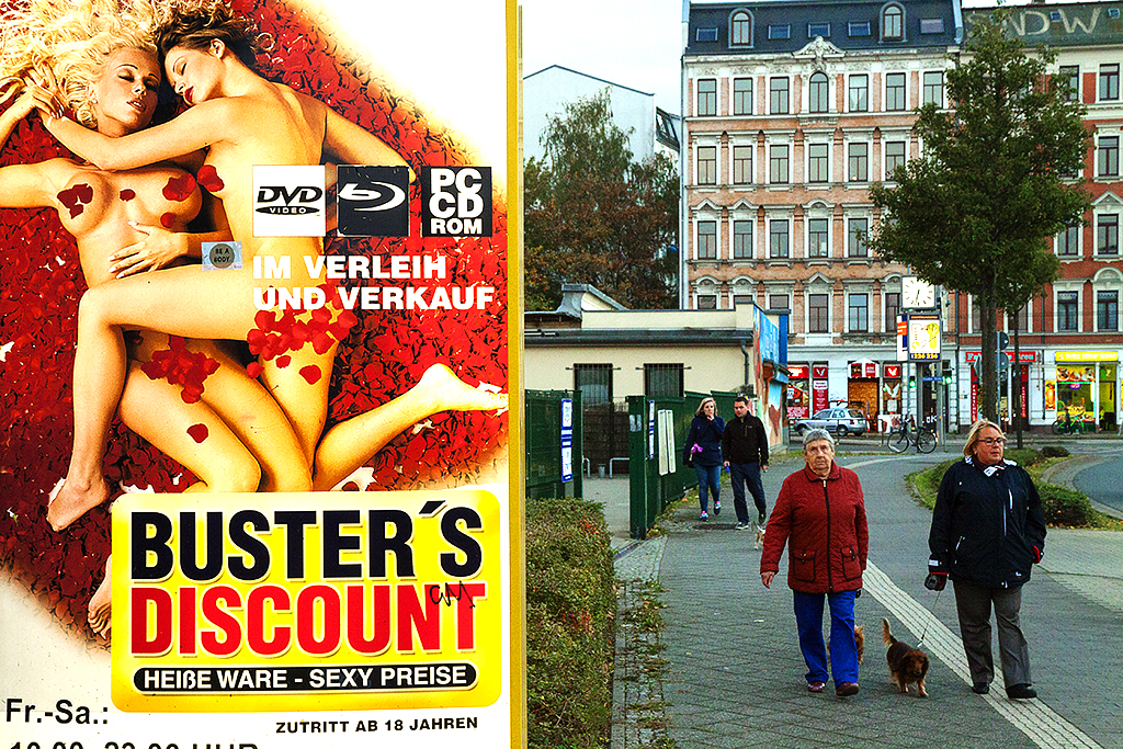 BUSTER'S DISCOUNT ad--Leipzig