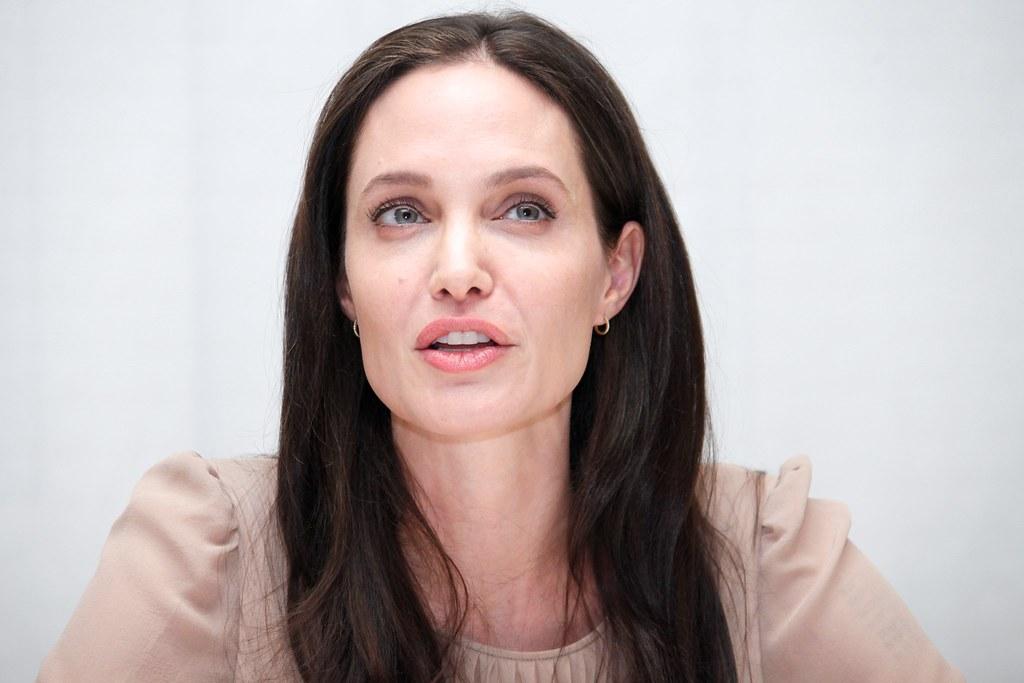 Анджелина Джоли — Пресс-конференция «Лазурный берег» 2015 – 22