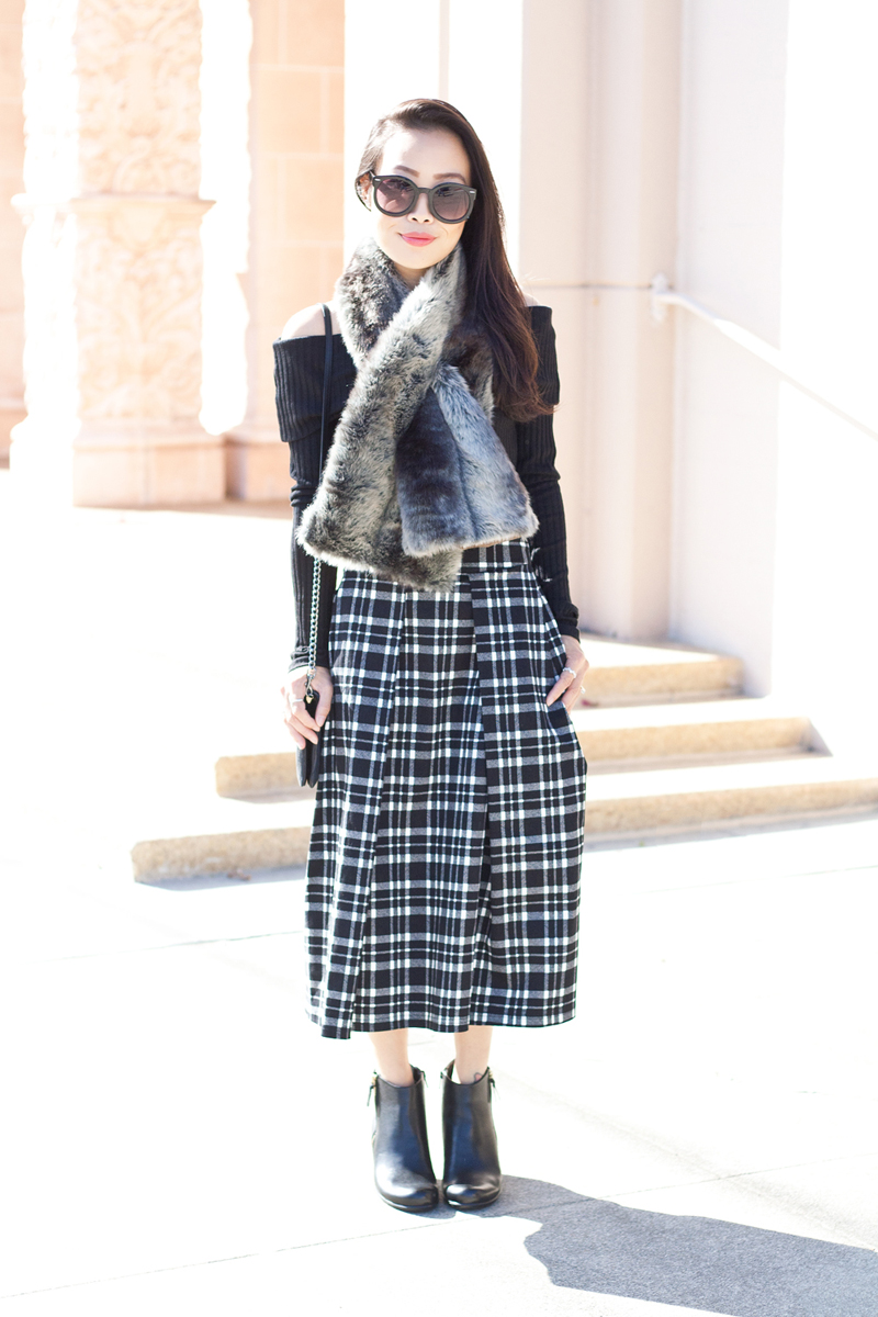 05-sf-fall-black-fur-plaid-tartan-fashion-style