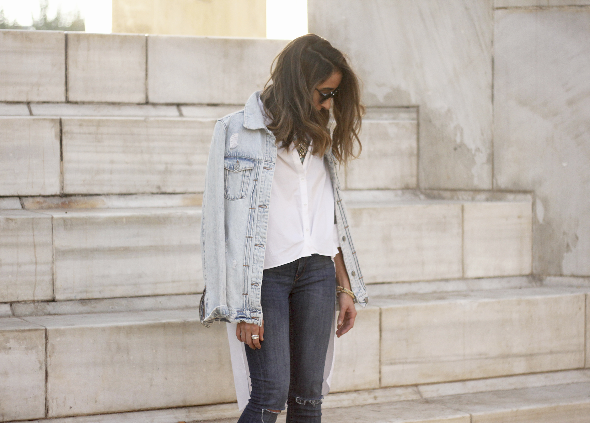 Denim Jacket Jeans White Shirt Black Heels outfit11