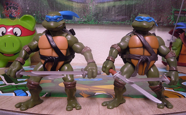 "Nickelodeon ""HISTORY OF TEENAGE MUTANT NINJA TURTLES"" FEATURING LEONARDO - TMNT 2k3 LEONARDO iii / ..with Original '03 Leonardo (( 2015 ))"