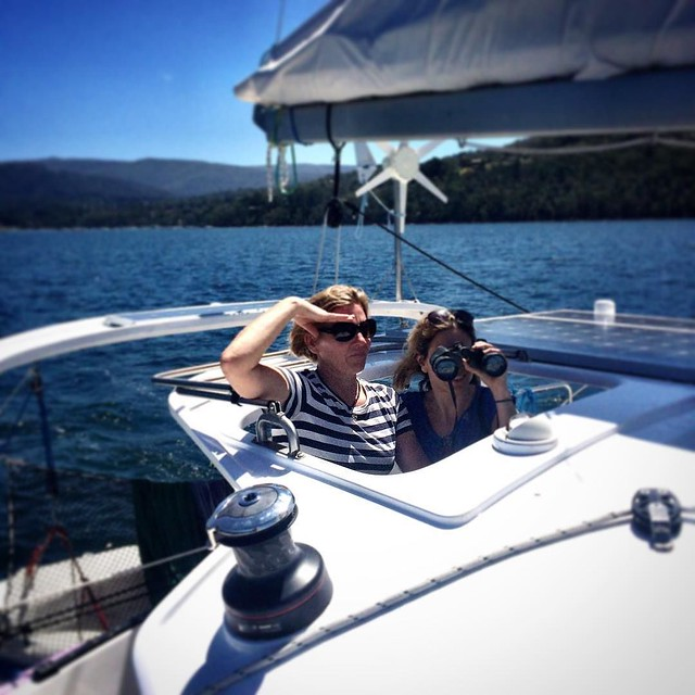 033/365 . • Chris takes the helm, Chloe scans the horizon - they're both a loooong way from London • . #friends #love #travel #tasmania #discovertasmania #tassiestyle #bellalunaboat #Summer2017 #cruising