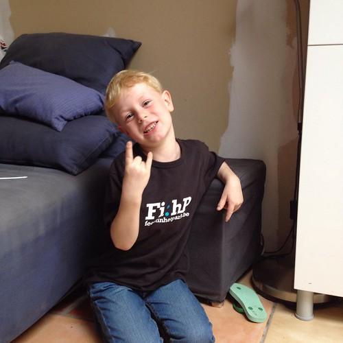 Na 6 jaar wachten past hij in zijn #fihp tshirt