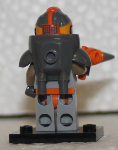 71007_LEGO_Minifig_Serie_12_46