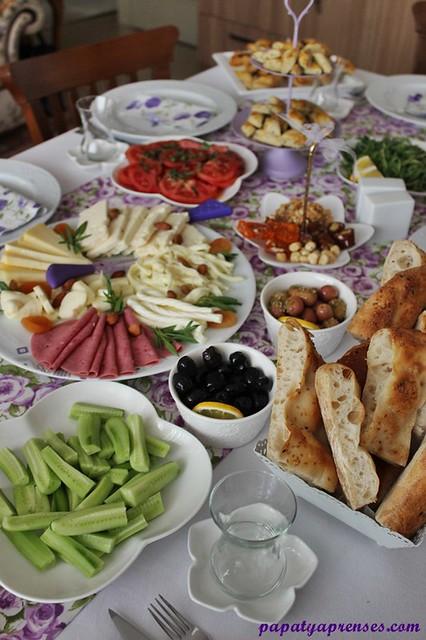 eflatun kahvaltı 016
