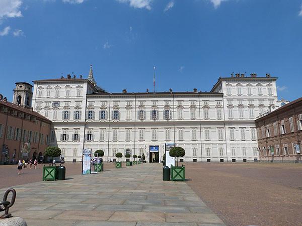 palazzo reale sous le soleil