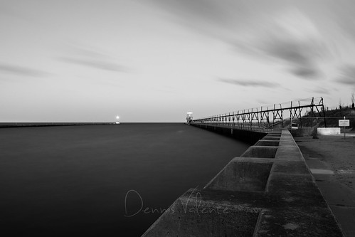 longexposure blackandwhite usa lighthouse pier michigan stjoseph lakemichigan greatlakes silverbeach 2015 northpier 5dsr
