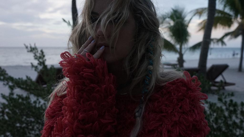 Эшли Бенсон — Фотосессия для «Find Your California» 2015 – 51