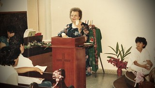 Mery speaking at the church in Morón, Buenos Aires