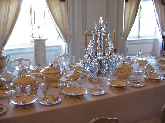 Royal dining table flickr photo sharing for Royal dining table