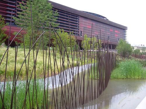 Notre visite au mus e des arts premiers et au parc a for Jardin quai branly