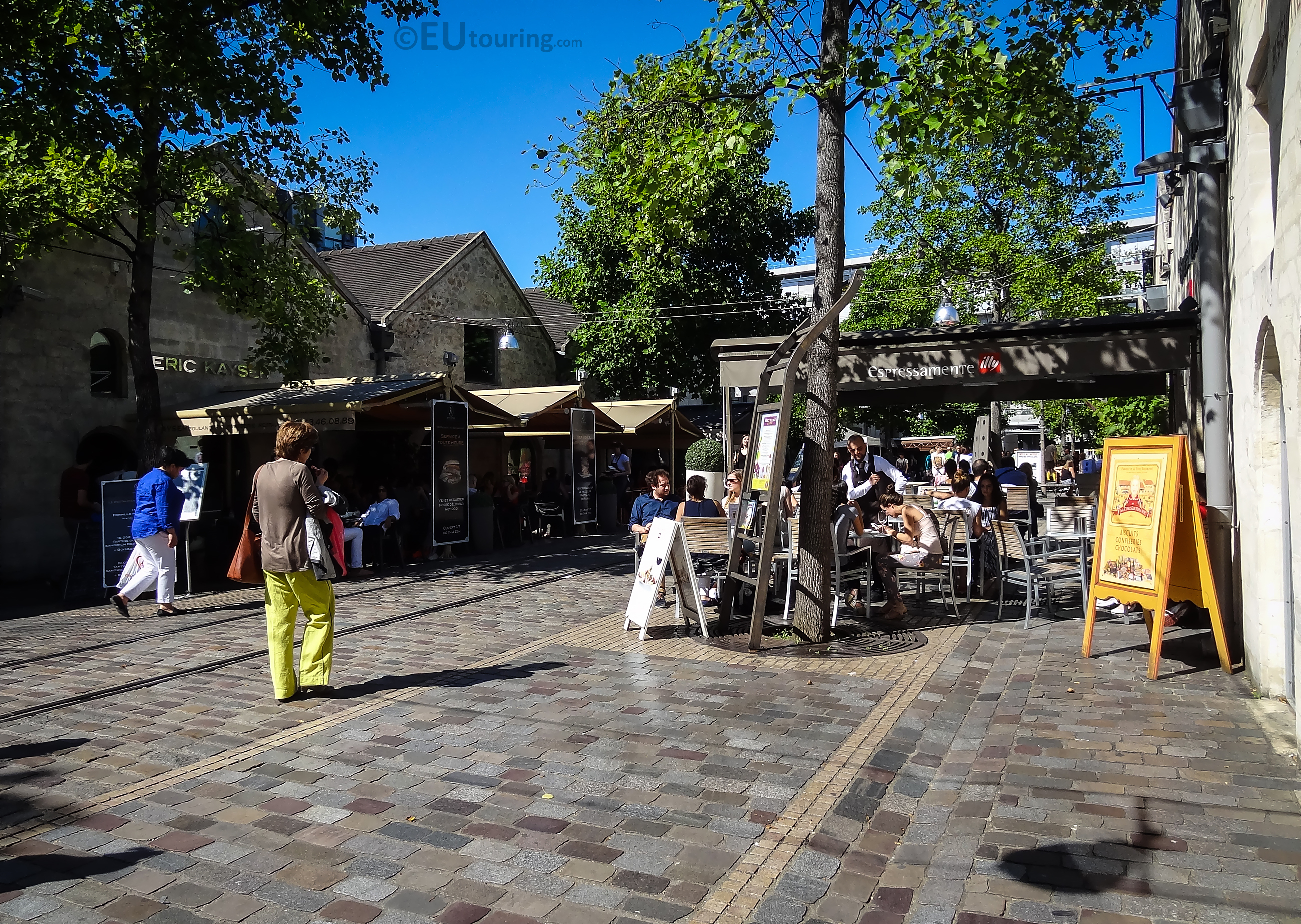 Calm street of Bercy Village