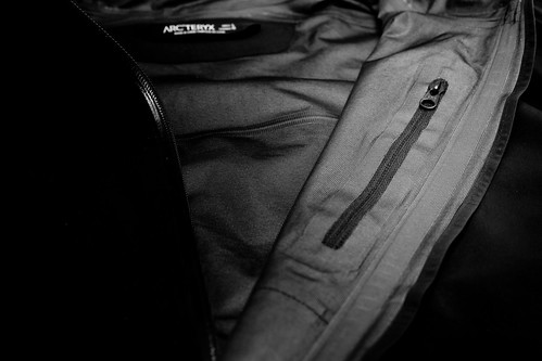 Arc'Teryx A2B Commuter Hardshell - inside pocket