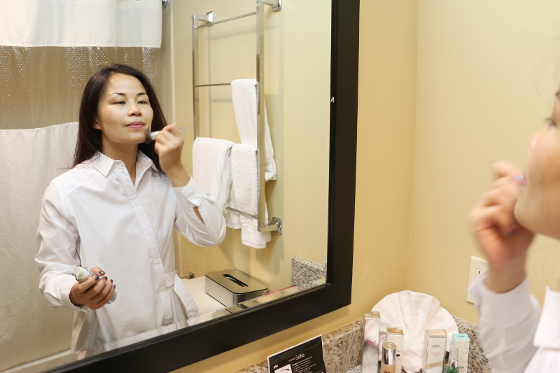 applying-makeup-brush-10