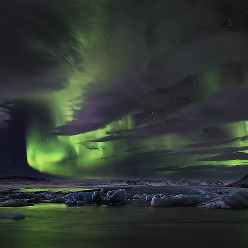 Northern Lights over Glacier Lagoon in #iceland