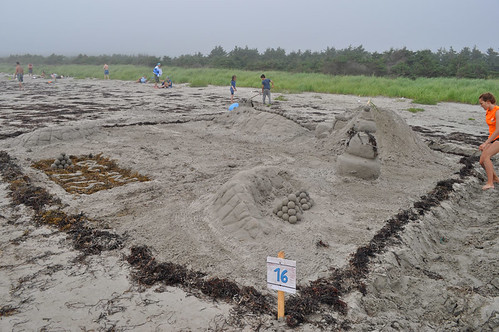 beach novascotia sandsculpture clamharbourbeachprovincialpark