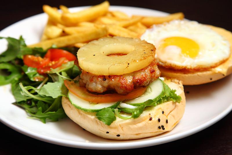 Hawaiian-Deluxe-Pork-Burger