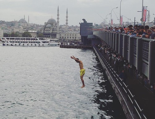 Day 1 #istanbul #streetphoto #bridge #turkey #galata #rain