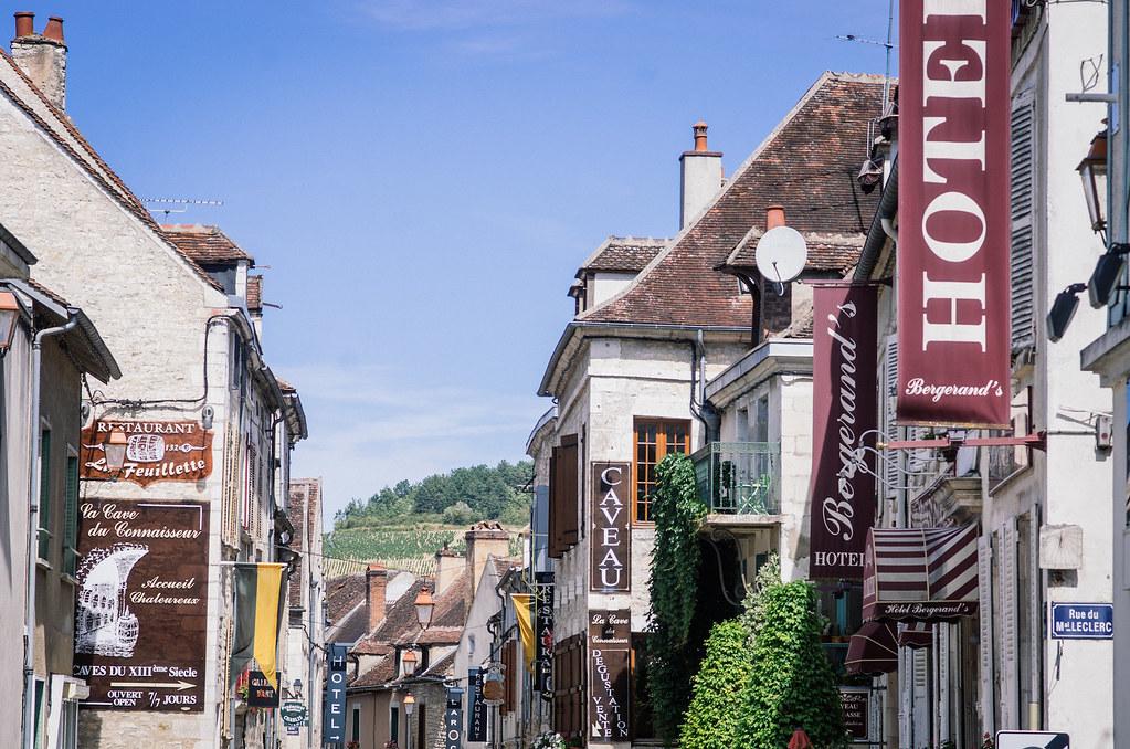 Balade gastronomique dans l'Yonne - Chablis, ville touristique