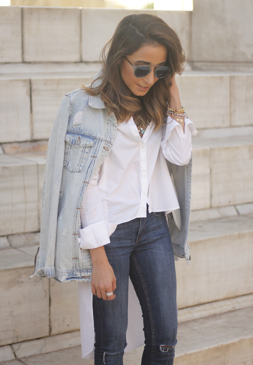 Denim Jacket Jeans White Shirt Black Heels outfit09