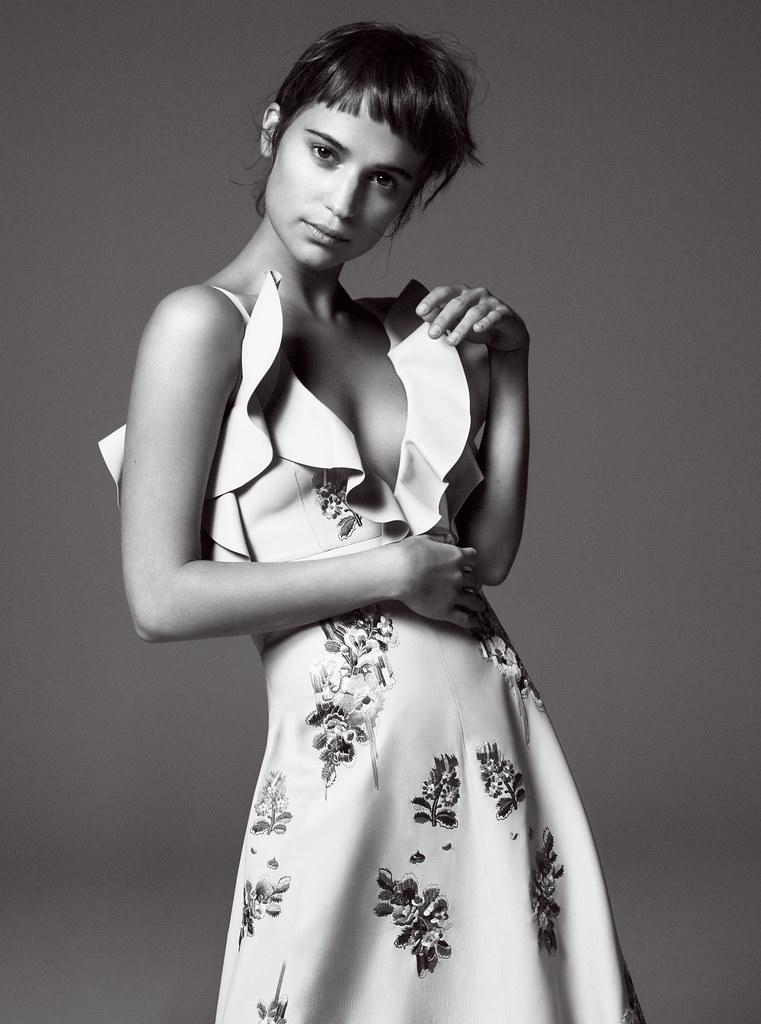 Алисия Викандер — Фотосессия для «Vogue» 2015 – 10