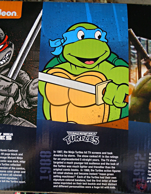 "Nickelodeon ""HISTORY OF TEENAGE MUTANT NINJA TURTLES"" FEATURING LEONARDO - Original LEONARDO / ORIGINAL '88 LEONARDO i (( 2015 ))"