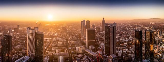 Maintower Frankfurt Sonnenuntergang
