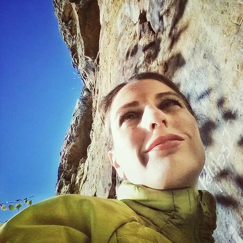 #rockgirl #lookup #climbing #climber #rockclimbing #outdoorgirl #outdoors #adventure #neverstopexploring #wisconsin #explorewisconsin #self #selfie #me #travelgram #igerswisconsin #jacketweather #wicounties #exploreeverything