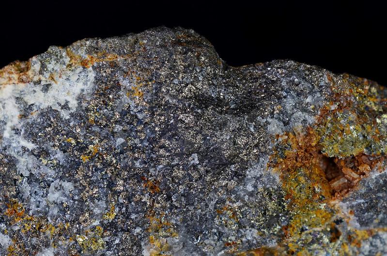 褐錫鉱 / Stannoidite