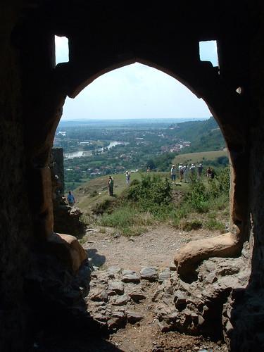 románia romania erdély transylvania solymos șoimoș épület building műemlék sightseeing vár castle várrom rom ruin kapu gate
