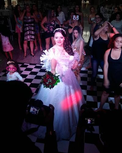 Hora do Buquê,  Casamento da Aline e Renato tudo lindo! #djneyheleno #diadosim #weding #love @djneyhelenooficial