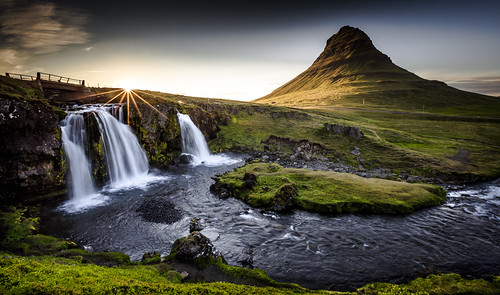 road trip travel sunset sun mountain water berg sunrise river landscape island volcano golden iceland wasser long exposure sonnenuntergang roadtrip explore filter lee 5d sunburst polarizer foss landschaft sonne sonnenaufgang sr 70200 kirkjufell dreamscape snæfellsnes langzeitbelichtung 1635 grundarfjörður 2015 2470 kirkjufellsfoss blendenstern frederichuber canoneos5dsr