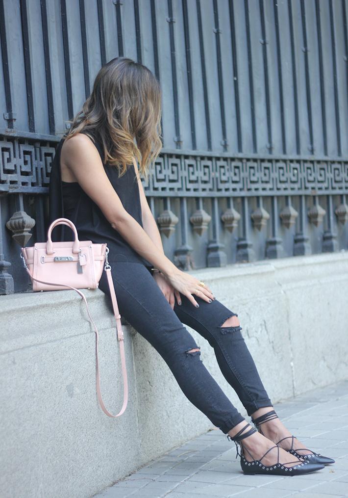 Lace Up Flats Black Jeans Top Hoss Intropia Coach Bag Aristocrazy07