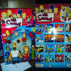Mail day! Just got this legendary #simpsons #bootleg family set. Seen it on so many lists but it