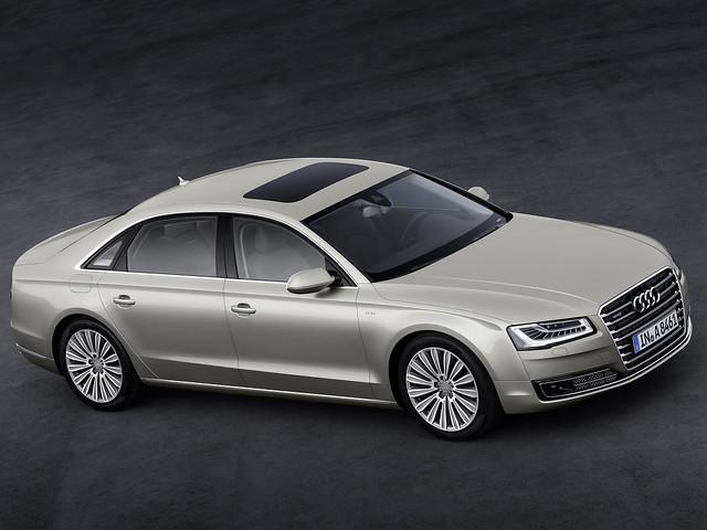 Audi A8 кузов D4